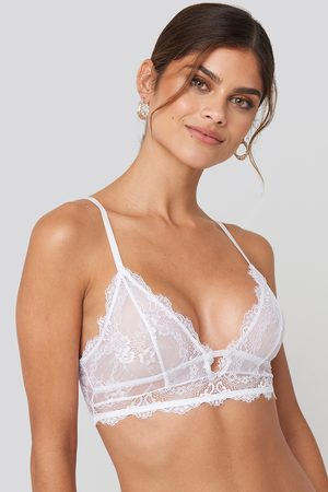 NA-KD Eyelash V Neck Lace Bralette - White