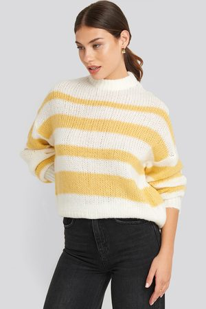 NA-KD Striped Round Neck Oversized Knitted Sweater - White,Yellow