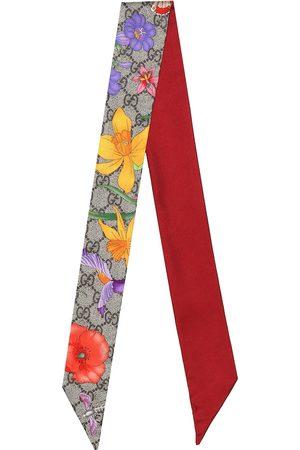 Gucci Foulard GG Flora imprimé en soie
