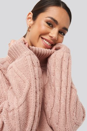 NA-KD Femme Cols roulés - Cable Sleeve Knitted Sweater - Pink