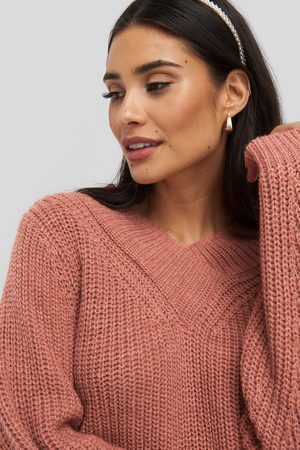 NA-KD Wide Band V-Neck Ribbed Sweater - Red
