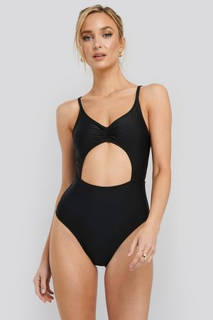 NA-KD Cut Out Front Swimsuit - Black