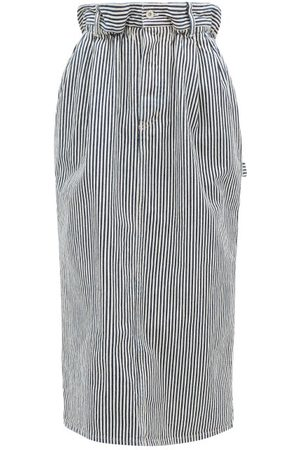 Miu Miu Femme Jupes plissées - Jupe en denim rayé à logo et taille froncée