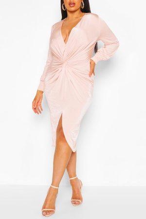Boohoo Femme Robes midi - Robe Midi À Décolleté Plongeant Et Torsadée Devant Plus