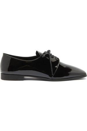 Prada Chaussures en cuir verni à bout carré
