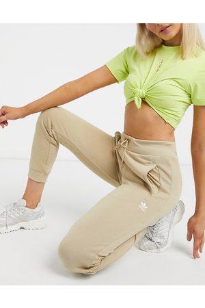 adidas Essentials - Joggers resserré aux chevilles
