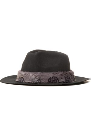 Guess Chapeau - Not Coordinated Hats AW8539 WOL01 BLA
