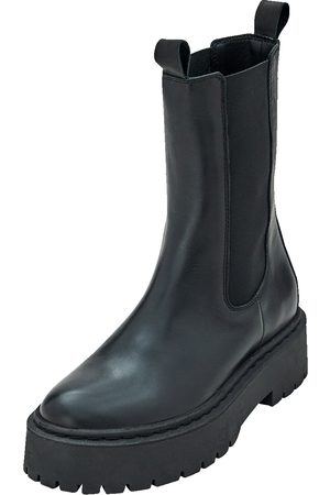 EDITED the label Boots 'Gudrun