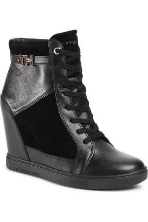Tommy Hilfiger Sneakers - Hardware Sneaker Wedge FW0FW04303 Black 990