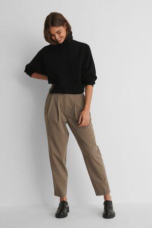 NA-KD Pantalon De Costume À Plis Profonds - Brown