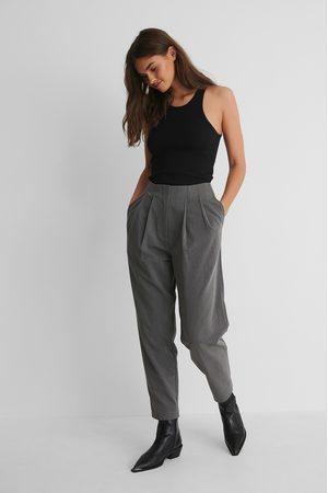 NA-KD Pantalon De Costume À Plis Profonds - Grey