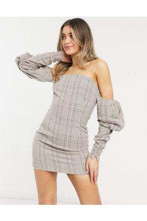 Bardot Robe courte structurée à manches bouffantes et carreaux