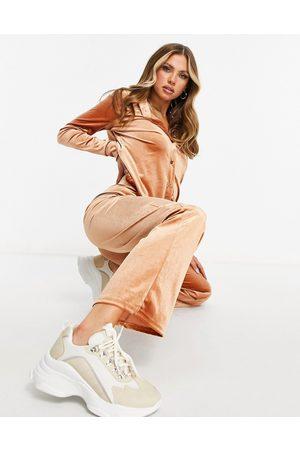 Moda Minx Ensemble avec chemise oversize et pantalon de jogging large en velours - Zeste-Fauve