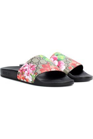 Gucci Mules GG Supreme Blooms