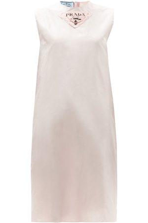 Prada Robe droite en taffetas de soie à plaque logo