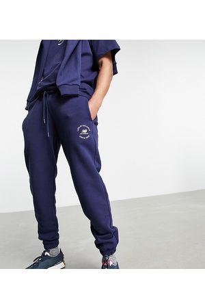 New Balance Homme Survêtements - Exclusivité ASOS - - Life In Balance - Jogger - marine