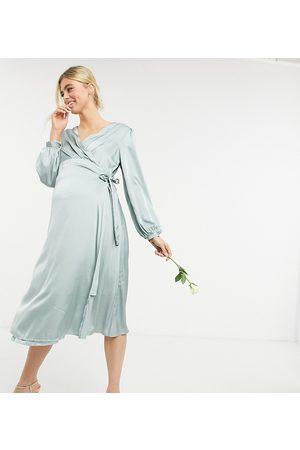 TFNC Maternity Demoiselle d'honneur - Robe portefeuille mi-longue en satin à manches longues - Vert sauge