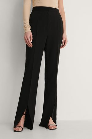 Curated Styles Pantalon Fendu Devant - Black