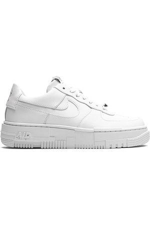 Nike Baskets Air Force 1 Pixel