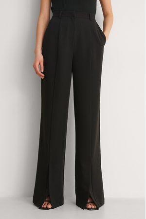 NA-KD Femme Pantalons classiques - Pantalon Fendu Devant - Black