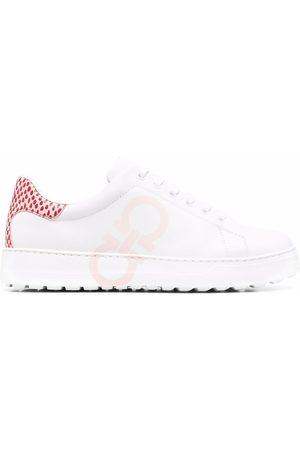 Salvatore Ferragamo Femme Baskets - Gancini-print lace-up sneakers