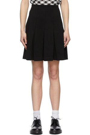 Maison Kitsuné Mini-jupe noire en piqué à plis
