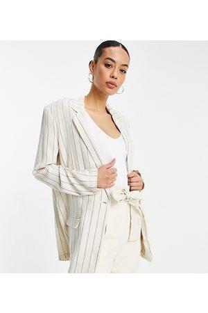 ASOS Femme Blazers - ASOS DESIGN Tall - Blazer de costume 3 pièces à boutonnage simple en lin rayé délavé