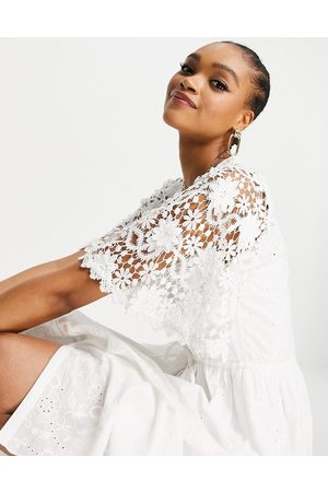 French Connection Cecily - Robe en broderie anglaise