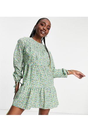 Influence Femme Robes imprimées - Robe courte à manches longues en coton et à imprimé petites fleurs