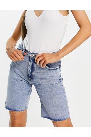 MANGO Short en jean long coupe boyfriend