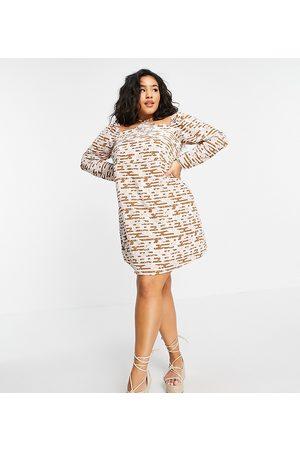 Fashion Union Robe courte coupe droite avec lien à nouer derrière la nuque et imprimé fleuri rétro
