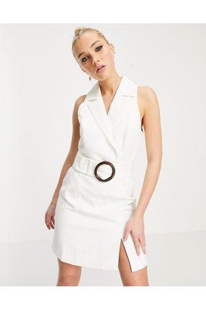 Forever New Robe courte style smoking avec ceinture à boucle