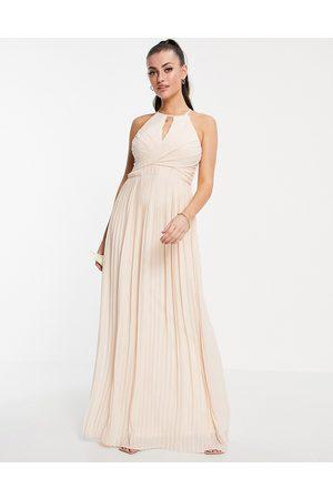TFNC Robe longue plissée à détail cache-cœur et découpe pour demoiselle d'honneur - Blush clair