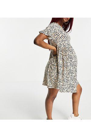 Flounce London Flounce Maternity - Robe babydoll ultra oversize à manches à volants et imprimé cœurs