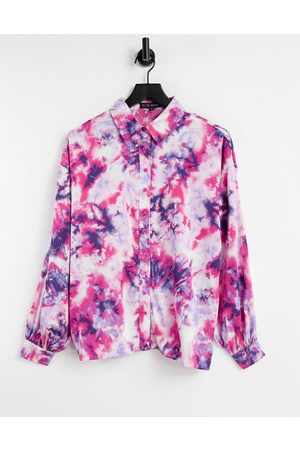 In The Style X Billie Faiers - Chemise oversize avec col effet tie-dye - Rose