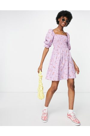 New Look Robe courte froncée - Lilas fleuri