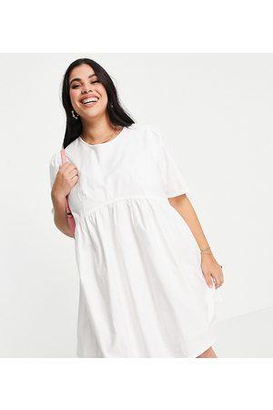 COLLUSION Plus - Exclusivité - Robe babydoll courte nouée dans le dos