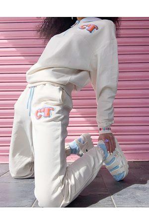 Crooked Tongues Femme Joggings - Jogger d'ensemble à écusson logo - Écru