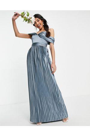 Chi Chi London Femme Robes longues - Lauren - Robe en satin