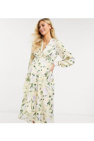 HOPE & IVY Robe kimono mi-longue torsadée à l'avant à manches longues - pastel fleuri