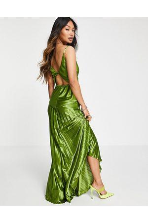 ASOS Robe longue caraco plissée en satin à coutures apparentes - olive