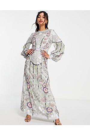 ASOS EDITION Robe mi-longue à motifs fleurs en sequins placés - tourterelle