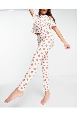 Monki Teddy - Ensemble pyjama en coton biologique avec imprimé fraises