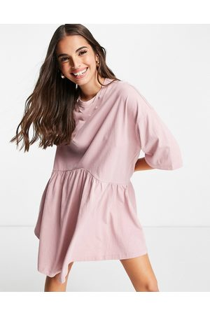ASOS Robe babydoll courte oversize à taille basse - Rose thé