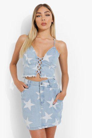 Boohoo Femme Jupes imprimées - Star Print Wrap Waistband Denim Mini Skirt