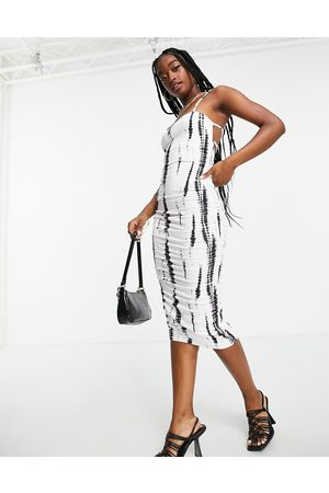 ASOS Robe mi-longue froncée et imprimée à encolure carrée avec double lanière - Noir et blanc