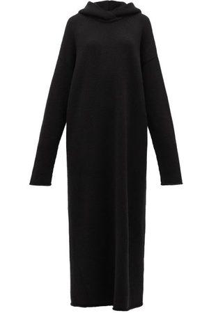 Raey Robe longue à capuche en maille de cachemire
