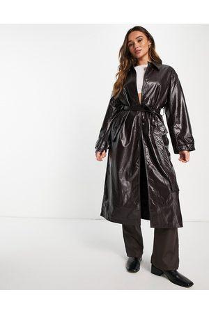 ASOS Trench-coat en similicuir effet froissé - Bordeaux