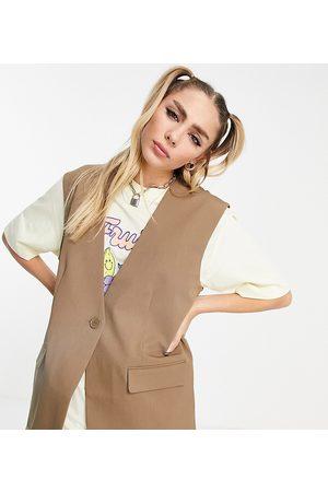 COLLUSION Gilet de costume oversize - Fauve