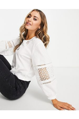 French Connection Blouse en broderie anglaise avec manches bouffantes